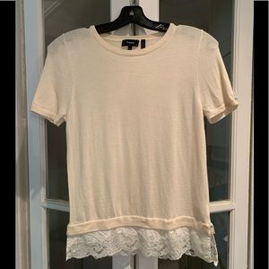 Theory short sleeve sweater with lace bottom. Med